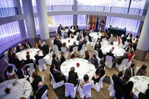 El Dr. Aragón recibe laMedalla de Orodel Foro Europa al prestigio profesional